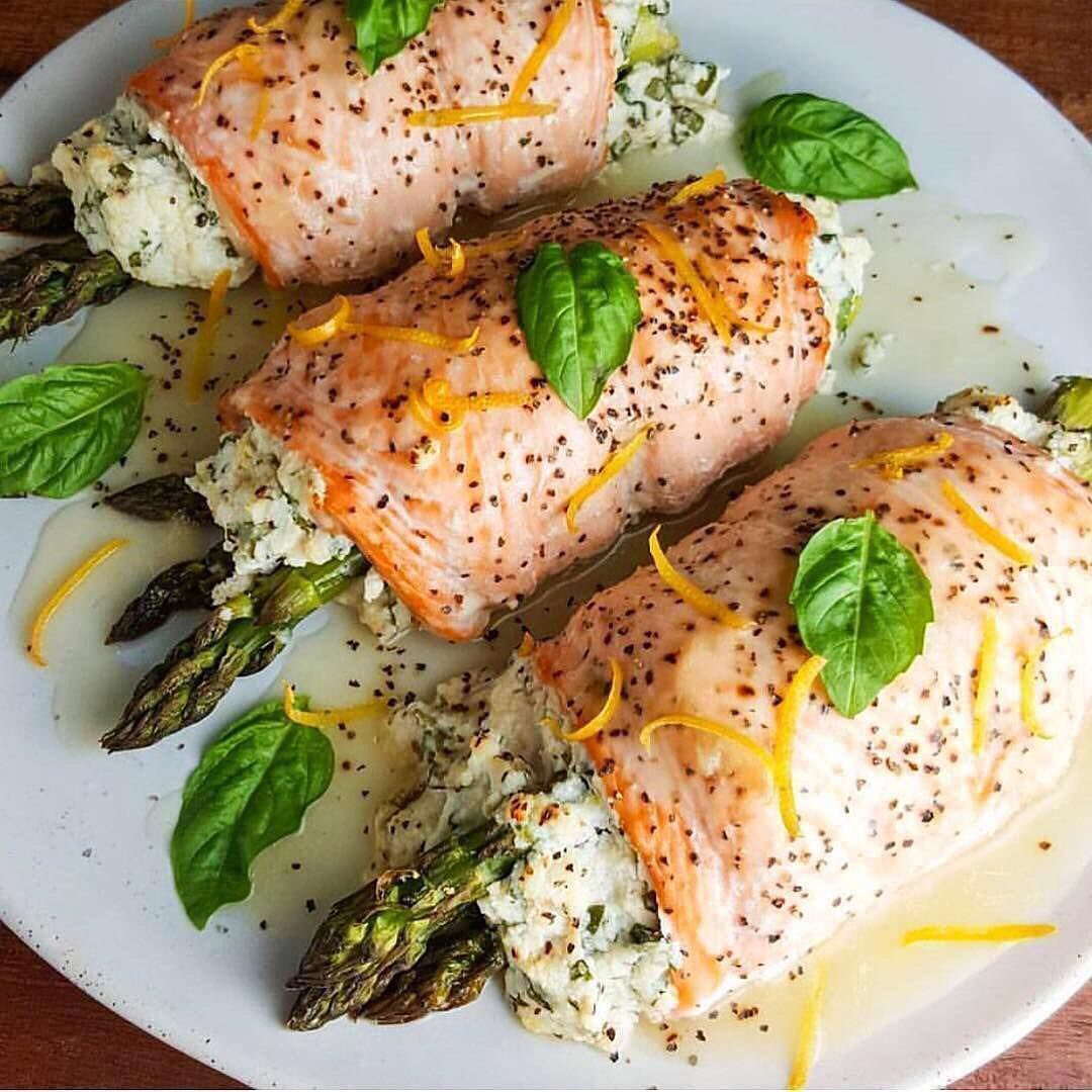 Asparagus Stuffed Salmon Rolls with Lemon Sauce ⠀⠀——⠀⠀Ingredients:⠀⠀4 (5 ounc…