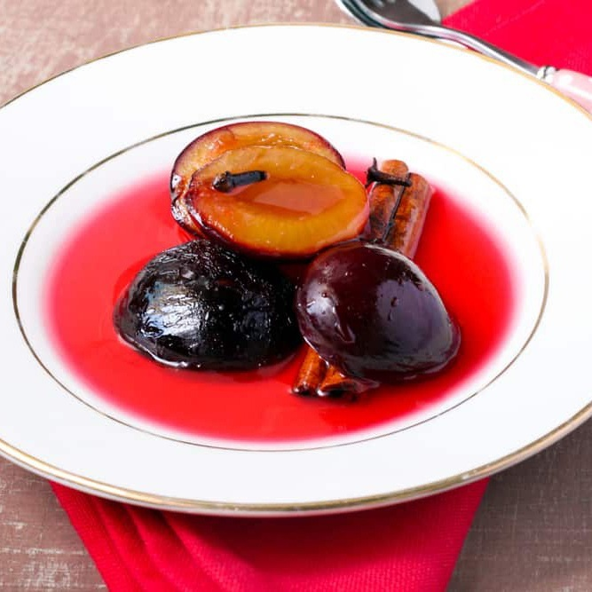 A simple and easy to make a dessert featuring plums. Tastes amazing with vanilla…